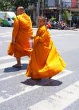 Ung buddistisk munk Bangkok Arkivfoto