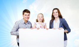 Ung familj Arkivbild