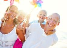 Ung familj på ferie Royaltyfria Bilder