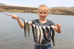 Ung fisherwoman Arkivfoto