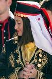 Ung flicka från Turkiet i traditionell dräkt 2 Arkivbilder