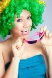 Ung flicka i en wig Fotografering för Bildbyråer