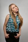 Ung flicka i ett sleeveless royaltyfri foto
