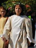 Ung flicka i medeltida klänning Royaltyfria Foton