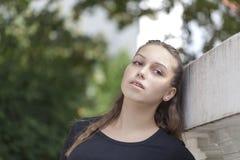 Ung flicka i natur Royaltyfri Foto