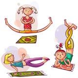 Flickor i yoga poserar Royaltyfria Bilder