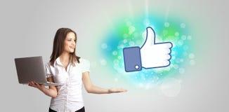 Ung flicka med den lika sociala massmediaillustrationen Arkivfoton