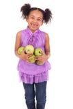 Ung flicka med frukt royaltyfri fotografi