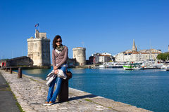 Ung flicka på La Rochelle Royaltyfri Fotografi