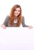 Kvinnainnehav undertecknar - ståenden av ett härligt kvinnainnehav en bla Royaltyfria Foton