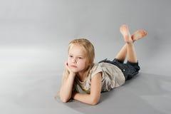 Stående av ung flicka Royaltyfri Fotografi