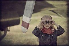 Ung flickapilot Fotografering för Bildbyråer