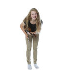 Ung flickatonåringstråkföring efter hennes kapacitet Arkivfoton