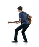 Ung gitarrspelare Royaltyfri Foto