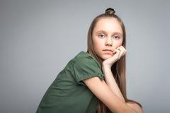 Ung gullig flicka Royaltyfri Fotografi