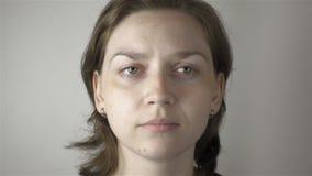 Ung gymnastiska kvinna och ögon lager videofilmer