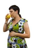 Ung härlig gravid kvinna Royaltyfri Foto