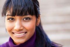 Ung indisk kvinna arkivfoto