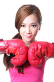 Ung kvinna för sport med boxninghandskar Royaltyfri Foto