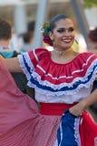 Ung kvinna från Costa Rica i traditionell dräkt Royaltyfria Foton