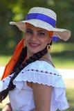 Ung kvinna från Costa Rica i traditionell dräkt 3 Arkivbilder