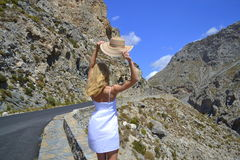 Ung kvinna i Creta, Grekland Royaltyfri Bild