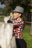 Ung kvinna i natur Fotografering för Bildbyråer