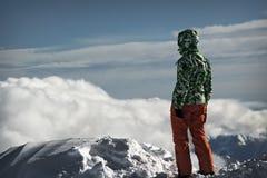 Ung kvinna i snön Fotografering för Bildbyråer