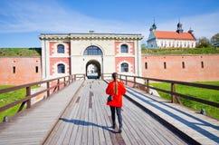 Ung kvinna i Zamosc, Polen Royaltyfria Foton