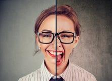 Ung kvinna med dubbelt framsidauttryck Arkivfoton