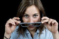 Ung kvinna med ett par av exponeringsglas 3d Arkivbilder