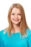 Ung kvinna med toothy leende Arkivbilder