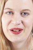 Ung kvinna smiling.GN Arkivbilder