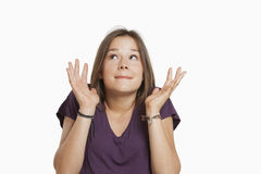 Ung kvinna som ser nervös Fotografering för Bildbyråer