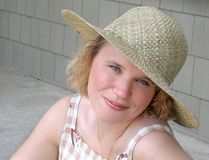 Ung kvinnastående Royaltyfria Foton
