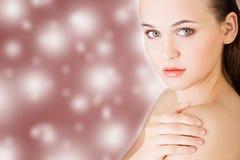 Ung kvinnlig med ny klar hud Arkivfoto