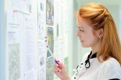 Ung kvinnlig student Arkivbild