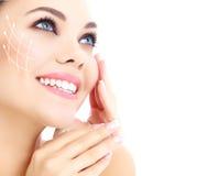 Ung lycklig kvinnlig med ren ny hud Royaltyfria Bilder