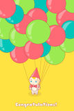 Ung man som rymmer många ballonger Arkivbild
