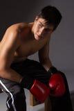 Ung manlig kickboxer Arkivbild