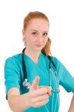 Ung medicinsk deltagare i utbildning med stetoskopet Royaltyfria Foton