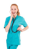 Ung medicinsk deltagare i utbildning med stetoskopet Fotografering för Bildbyråer