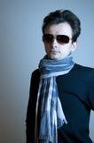 ung model solglasögon för man Royaltyfri Bild