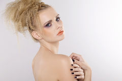 Ung nätt kvinna med härliga blonda hår arkivfoton