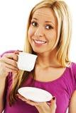 Ung nätt kvinna som dricker kaffe Arkivfoto