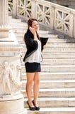 Ung och härlig kvinnaaffärsman arkivfoton