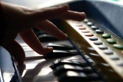 Ung pianist Royaltyfria Bilder