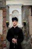 Ung präst i venice arkivbilder