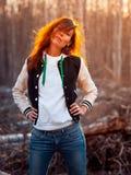 Ung rödhårig mankvinna Arkivfoto