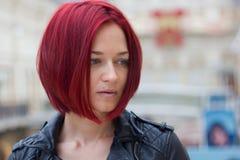 ung redhaired kvinna Arkivbild